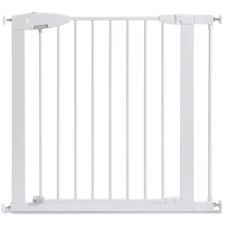 Munchkin-easy-close-pressure-mounted-baby-gate-for-stairs